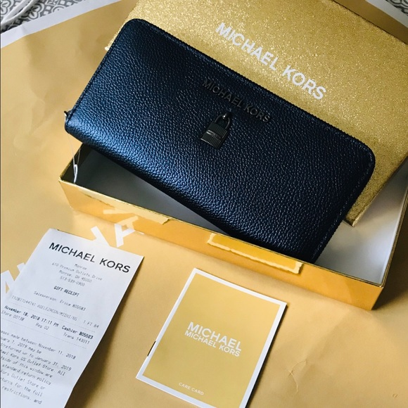 aa37c617279b MK giftables Adele Continental Zip Around Wallet. NWT
